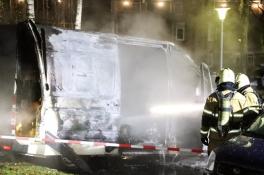 Bestelbusje 'met mogelijk drugsafval' in Uden door brand verwoest