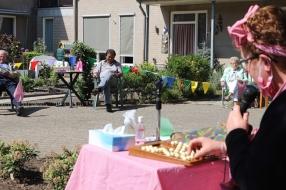 Buurtbingo voor senioren in zwaar getroffen Boekel: 'De mensen hier zijn bang, maar ook zo dankbaar'